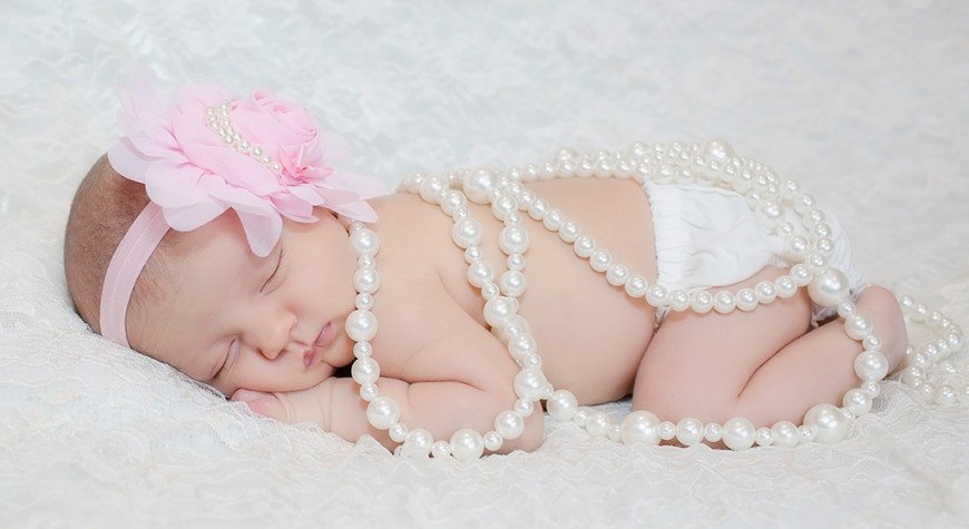 Baby-Photographer-Newborn-Baby-Girl